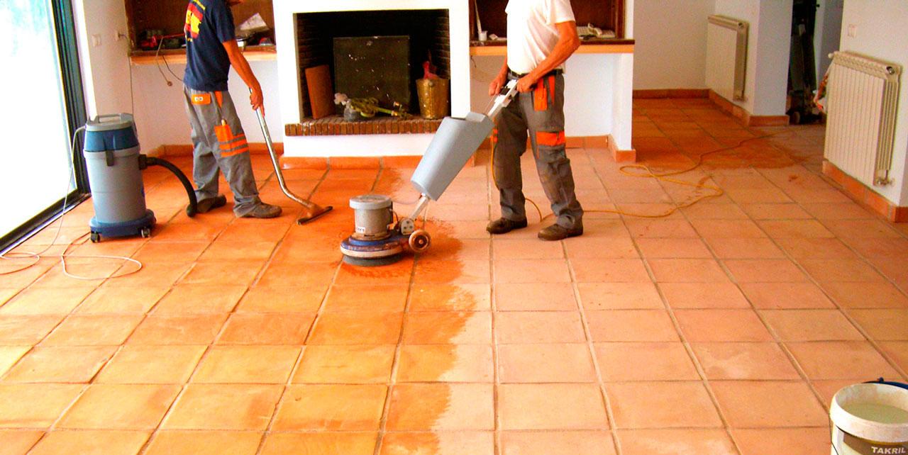Rellenar juntas baldosas suelo elegant tcnicas caseras - Como limpiar las juntas del suelo de gres ...